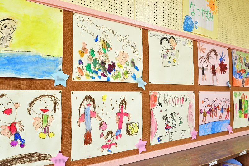 子どもたちが描いた絵