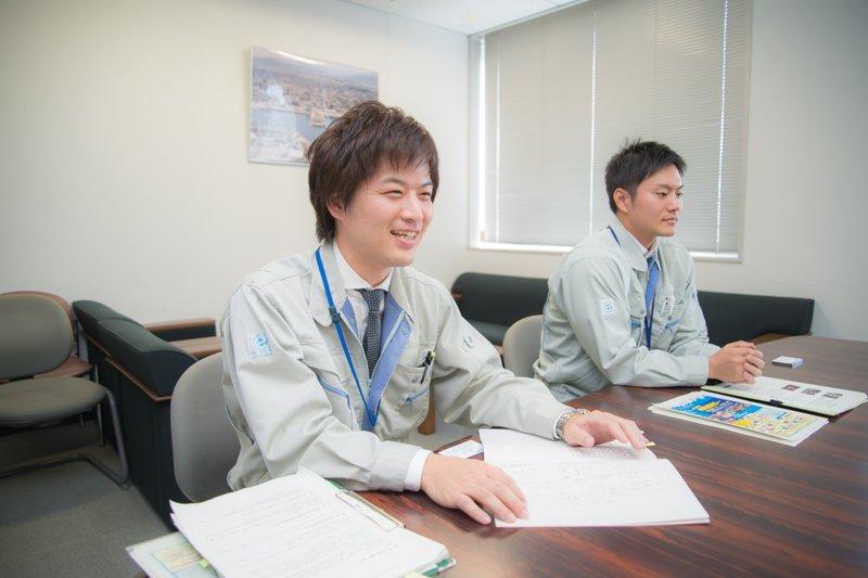 長浜鮮魚市場 係長 浦和己さん 古賀太一朗さん