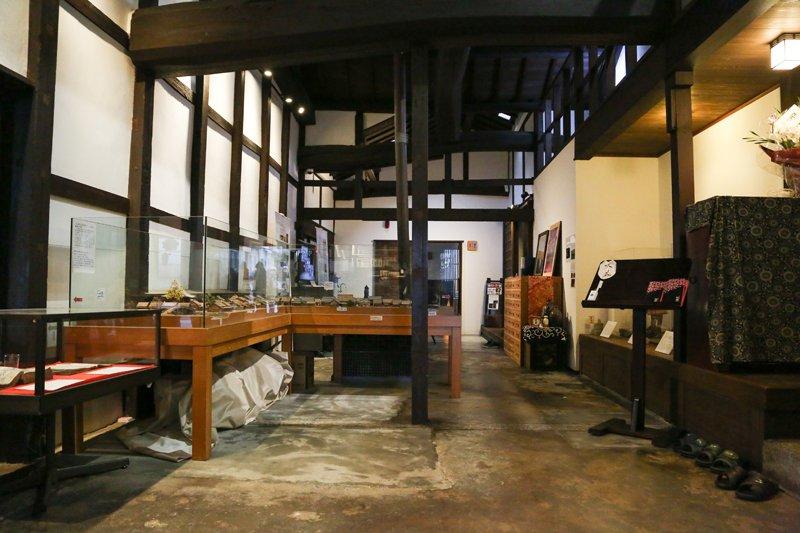 ▲おくどさんや井戸、ジオラマなどの歴史的資料を展示するスペース