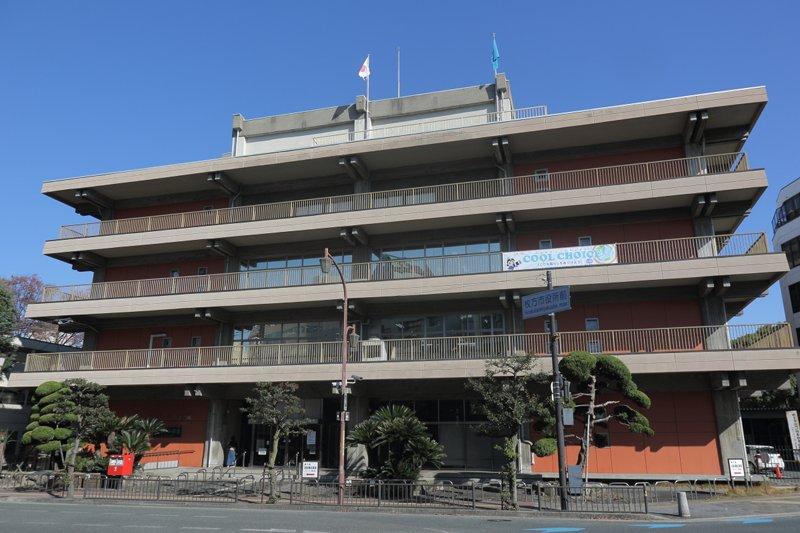枚方市役所本館